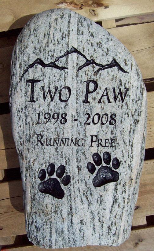 Outdoor Pet Memorial Ideas